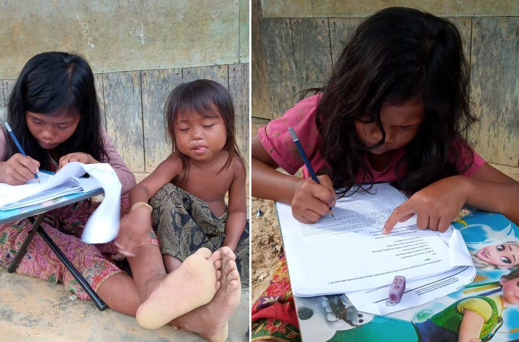 Dua Anak Perempuan Rimba Kedudung Muda Ikut Ujian Kenaikan Kelas